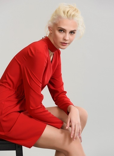 People By Fabrika Choker Detaylı Elbise Kırmızı